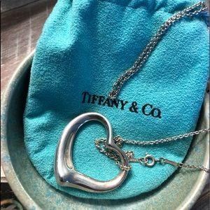 Tiffany & Co  heart & chain 🖤